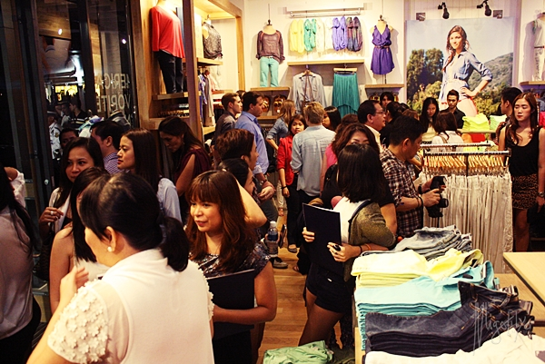 American Eagle Launch03Feb2013 Inside The Store